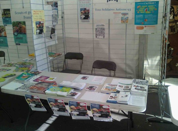 Le stand de l'association TSA 93 à la Fête de Saint-Denis 2014